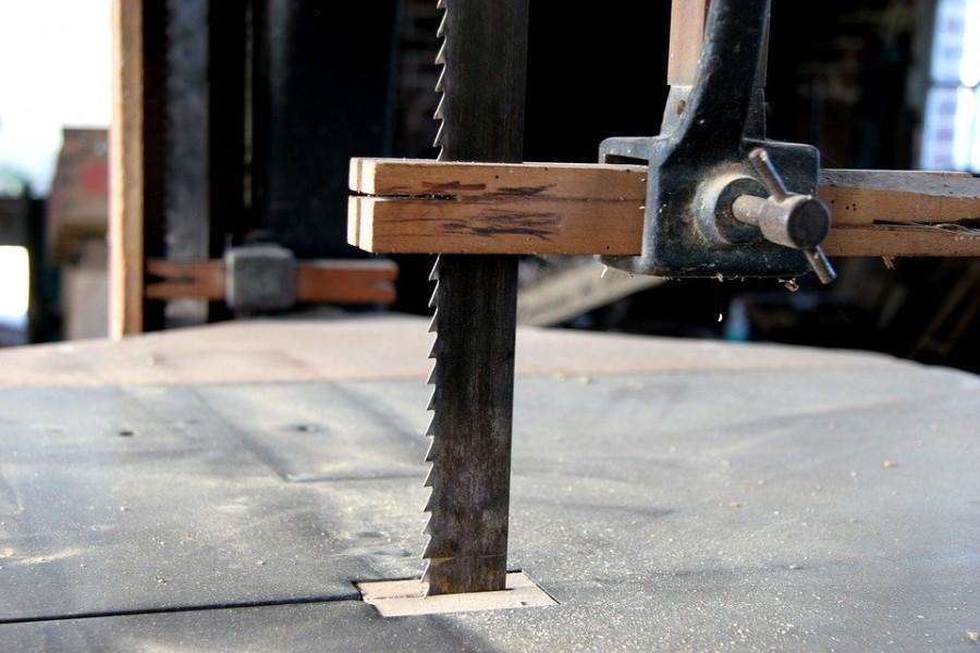 Choisir la lame de scie à ruban idéale pour la découpe du bois